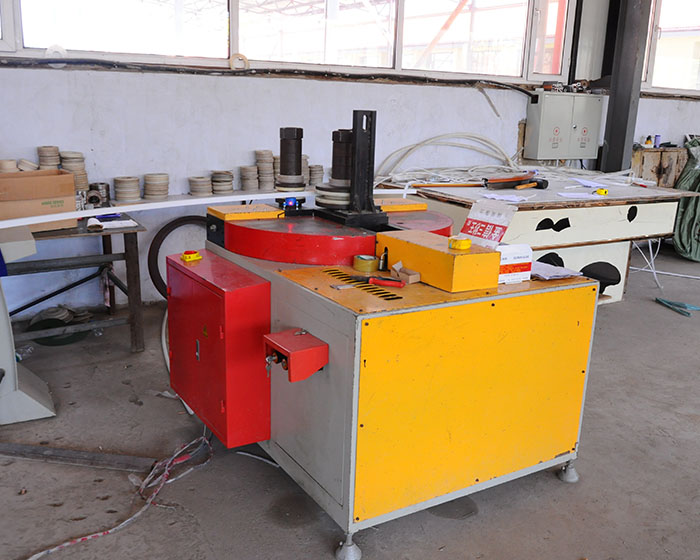 Super group stretch bending equipment